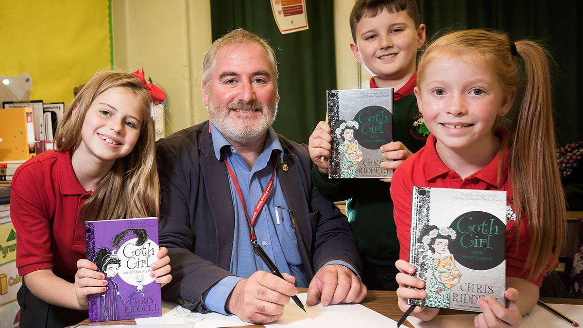 Chris Ridell and Elmgrove pupils