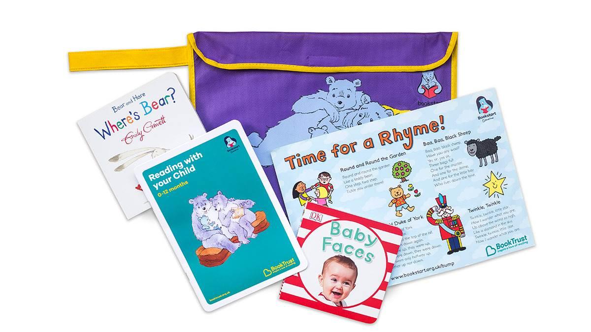Bookstart Baby pack image 2016-17