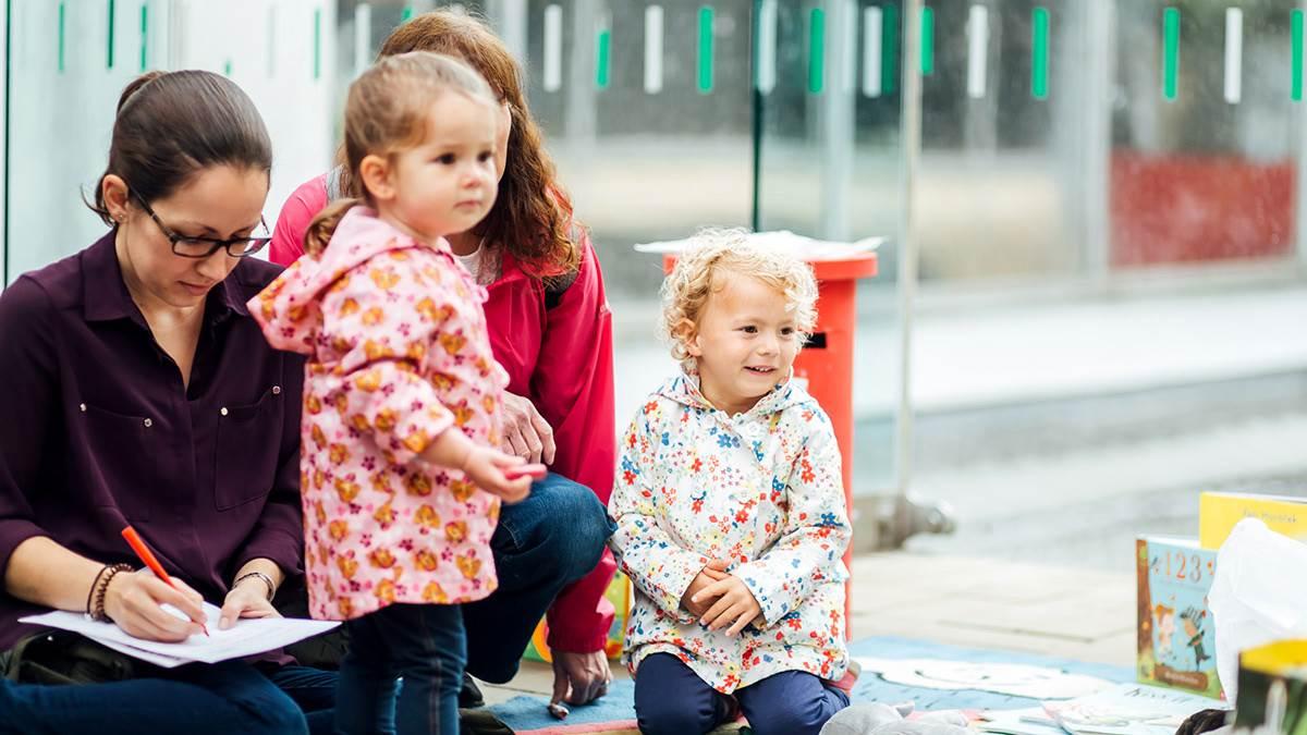 Parents and girls at Sheffield Bookstart event